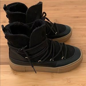 H&M faux fur black moon boot size 37